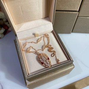 Кулон Ожерелья Женщины Дизайнер Ожерелье Змея Классический стиль Полая вечерняя вечеринка Прекрасные Ювелирные Изделия Высокое Качество
