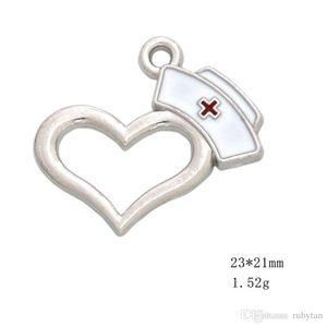 50pcs / lot en alliage coeur médical RN Hat Charms Dangle émail infirmière Cap Charms Pendentif pour le bricolage Bracelet Collier Bijoux Fashion