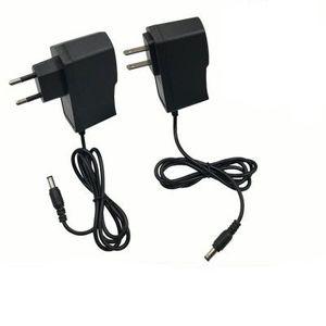 Nouvelle vente 8.4V Chargeur de batterie au lithium 8.4V1A deux séries chargeurs de batterie lithium lampe de poche Accessoires