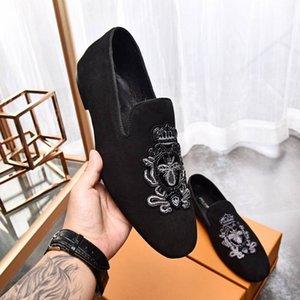 Yeni moda erkek elbise ayakkabı erkekler düz dipli düğün deri ayakkabı moda Nedensel shore Retro