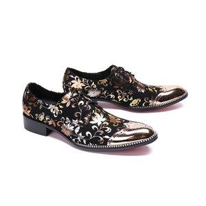 hommes de mode fleurs orteil or chaussures habillées d'affaires Boucle bout pointu sculpté Bullock oxford pour les hommes Falt parti chaussures de mariage