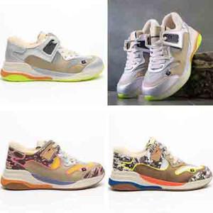 Ayakkabı Koşu 2020 Yeni Ultrapace Rhyton Vintage Casual Ayakkabı Bayan Beyaz Siyah Üçlü Sneakers Moda Tasarımcısı Eleme 6 Trainer