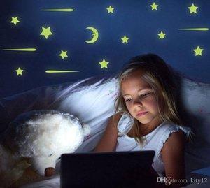 Lua estrelas luminosas adesivos de parede fluorescente adesivo removível Decoração Glow in the dark Kids Room frete grátis