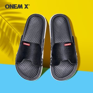 moda al aire libre tendencia del hogar sandalia coreana Onemix ocasionales de los deportes de los hombres zapatillas antideslizantes zapatos de la playa de los hombres en verano