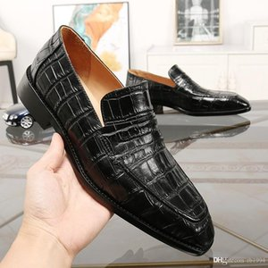 New luxury designer mens mens shoes, formal dress shoes mens shoes, cowhide elegant luxury suit shoes dripping fashion casual shoes with qwi