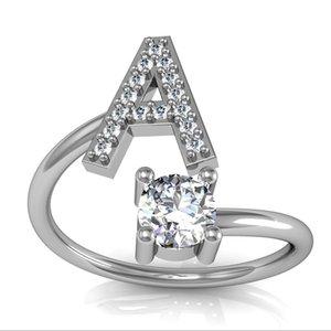 Fashion 26 Letters Silver Crystal Ring für Frauen Strass Offen-Finger-Ringe weiblichen Verlobungsring Schmuck-Party-Geschenke