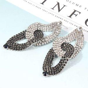 orecchini pendenti Fashion- per le donne bianco nero orecchio blocco anello di diamanti lampadario cade il trasporto libero di lusso gioielli moda occidentale