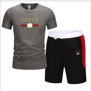 Erkekler Yaz Erkek Eşofman Giyim Erkek Kısa Kollu + Şort 2 adet Baskılı Erkek Seti Erkek doğa sporları takım elbise ayarlar