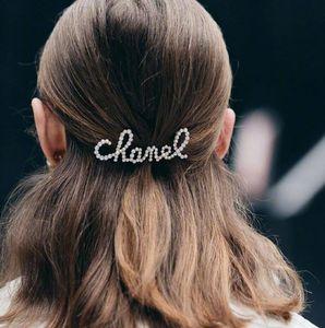 Neue Mode Buchstaben Mit Strass Und Perlen Haarspange Für Dame Design Frauen Party Hochzeit Liebhaber Geschenk Schmuck Für Braut