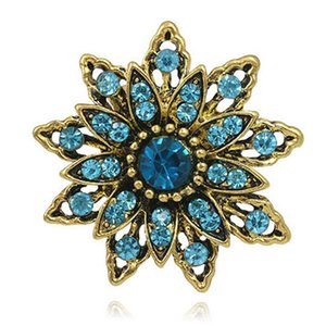 Antique Gold Plated Flower Brooches for Women Wedding Rhinestone Bouquet Bijoux Pins Clothing Jewelry Accessories