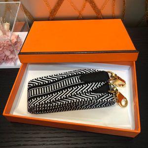Frauen Duft Parfüme Schultergurt Details Gurtband Schultergurt Zubehör Frauen wilde Umhängetasche Luxus-Designer-Accessoires