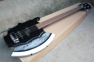 Kundenspezifische 4-saitige E-Bass-Axt mit Signatur am Korpus, Palisandergriffbrett, Chrom-Hardware, Angebot nach Maß