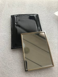 Vendita calda con logo Y mano Specchio con cassa del regalo di colore dell'oro di trucco mini specchio portatile stile classico