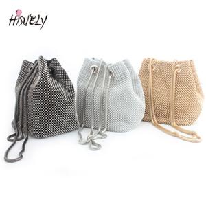 HISUELY Rhinestone инкрустированные вспышки Женщины сцепления сумка для вечеринок Мода Банкет плечевые хранения Totes Lady Ковш Сумки Девушки