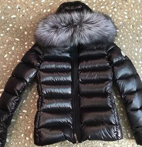 2019 Kadınlar Kış Gerçek Aşağı Ceket Kadın Kısa Gümüş Tilki Kapşonlu Sıcak Aşağı Ceket Kış Coat