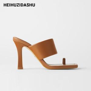 2020 Leder-Frauen-Mules Thong-Absatz-Frauen Sandalen Sommer-beiläufige Flip Flop Brown Slippers Promi-Schuh-Frauen