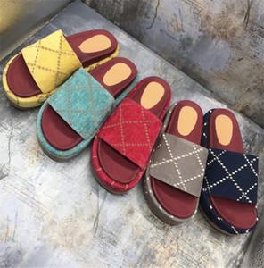 Zapatilla de lujo del diseñador vestido de las mujeres al aire libre sandalia de la plataforma de la lona de cuero verdadero diapositivas Negro Amarillo manera de las mujeres con la caja del deslizador