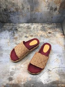 2020 zapatos de diseño para mujer zapatillas de playa de verano sandalias planas de interior zapatillas de casa con sandalias de uñas caja de cinturón bolsa de polvo kk0703
