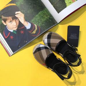 Sommer-Qualitätskinder der zufälligen Sandalen der wilden Art und Weisemädchen der Geburtstagsgeschenk-Markensandalen wilde