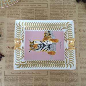 Lüks Altın çerçeveli Seramik Küllük hayvan kaplan Puro Küllük Basit Restoran Salon Seramik Küllük Yaratıcı Hediye
