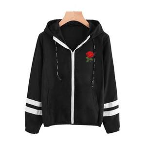 Varsity-полосатой молнии с капюшоном женщин куртки и пальто Основные Женщины Джинсовый Одежда Zipper Jacket Black Вышивка Короткие куртки Верхняя одежда Тонкий