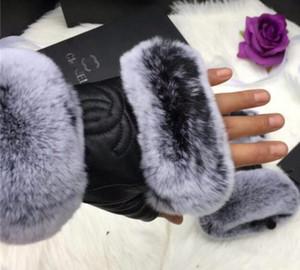 Женщины мужчины зима бабочка плюшевый мех прохладный металл C натуральная кожа письмо смягчает модные перчатки теплый привод Локомотив езда на велосипеде перчатки
