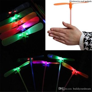 Elicottero della novità dei bambini divertente dei giocattoli Led Fly Flash Bamboo Dragonfly luci volanti LED Giocattoli Luminous Dragonfly Colorful bambini regalo di Natale