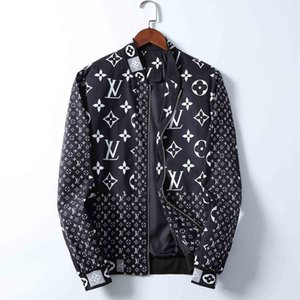 Brand New Designer Men Jackets Zipper Hooded Windbreaker Jackets Fashion Casual Streetwear Sports Mens Jackets Coats