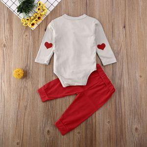 1 عيد الحب كيد طفل رضيع القوس القمم الياقة الرجل المحترم زر رومبير طويلة بانت 3PCS الملابس المصنوعة من القطن البدلة