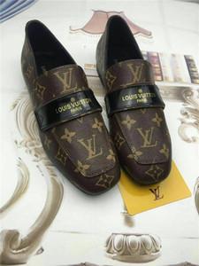 Paris 17W Triple S Shoes svela le nuove Sneakers Triple S Dad Fashion Spec Trainers Scarpe da uomo uomini Trippe retrò Scarpe da allenamento