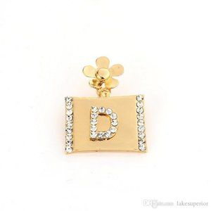 Letter D Perfume Bottle Luxury Brooch for Women Flower Rhinestone Brooch Pin for Gift Party Famous Jewelry Accessories