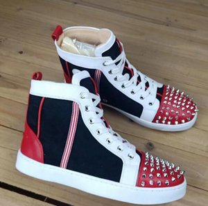 2019 new Fashion Designer Brand Studded Spikes Flats shoes Red Bottom Shoes For Men and Women Party Lovers Genuine Leather Sneakersv 0505087