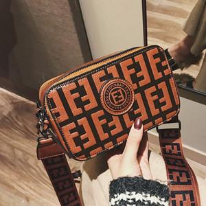 Kamera Çantası Harf Geniş Kayış Messenger Çanta Çanta Yüksek Kalite Pu Deri Crossbody satchels Küçük Flap Kadın Debriyaj