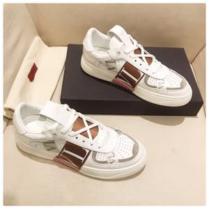zapatos de diseño de piel de becerro zapatillas de deporte con cordones de la zapatilla de baloncesto de aire plataforma sandalia Kanye triple de la vendimia Alpargatas sandalia diapositivas nueva