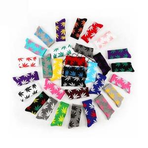 Piante Maple Leaf calze di Natale gli uomini e le donne in cotone Calzini Skateboard alta qualità Hip Hop Calze sportive vari stili DHL libero XD22148
