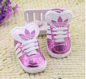 Venda quente Moda Bebê Sapatos Criança Primeiro Walker bebê Mocassins PU Couro Macio sola do borracho Meninas Sneakers recém-nascidos Footwears meninos