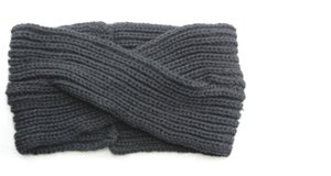 Fashionable scarves and trendy hats for women