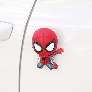 Accessori auto del fumetto di Spider-Man Modello scuotere la testa Toy Ornamento magnete auto il cruscotto Decoration Sticker regali della bambola