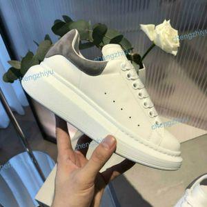New Season Designer Shoe Fashion Luxury Women Shoes Men's Leather Lace Up Platform Oversized Sole Sneakers White Black Casual Shoes ND01
