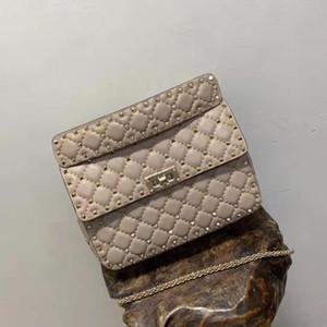 새로운 진짜 가죽 진짜 패션 핸드백 다이아몬드 격자 금속 로즈 골드 리벳 크로스 바디 팩 양 피부 가죽 전체 시작 OL의 24cm