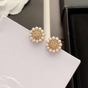 C2240 Popular small Daisy pearl earrings drop women exquisite fashion with a variety of accessories wear matching clothing