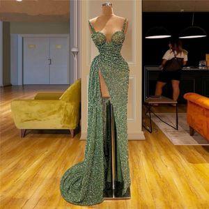 Verde de las lentejuelas correas espaguetis alta de Split 2020 barrido reflectante vestidos de baile acanalada una línea de tren vestidos de noche formal del partido BC3119