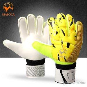 2017 New Professional Men Football Goalkeeper Gloves Thicken Latex Football Gloves Soccer Goal Keeper Goalie Training Gloves