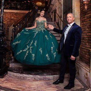 Hunter Yeşil Kapalı Omuz Quinceanera Elbiseler Boncuk Payetli Tül Tatlı 15 Elbise Kat Uzunluk vestidos de quinceanera