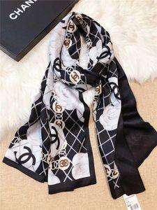 Top de seda las mujeres Doble pañuelos de gasa de alta calidad de la camelia del diseño de la bufanda suave larga de la manera antigua Impresión Mantón Agregar bolsa de papel-AA
