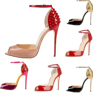 2020 الساخن بيع جديد إمرأة الكعوب أزياء المسامير السامي اللباس اللمحة أصابع القدم أحذية الكعب العالي السوبر الصنادل مسنبل رصع الأحمر أسفل مضخات أحذية عارضة