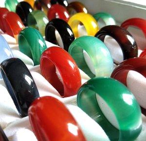 20pcs / серия Мужчины Женщины Multicolor Smooth Твердая Jade Ring Lady Красивая Агатовые кольцо Природные драгоценного камня шарма ювелирных любовника Xmas подарка Большое значение