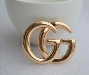 Moda Avrupa ve Amerika Lüks Tasarımcı iğneler Broş Parti Düğün Güzel Hediyesi 5853 için Erkekler Kadınlar için altın kaplama Latter Broş iğneler
