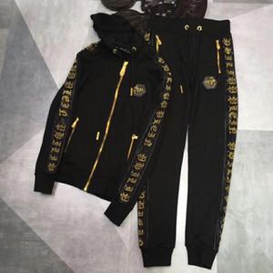 Abbigliamento sportivo europeo con cerniera, tuta sportiva da uomo, abito casual con stampa a camicia e pantaloni. Abbigliamento sportivo con cappuccio Medusa