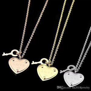 2018 Fashion Famous Brand High Quality 316l Stainless Steel No Tarnish Lover's Necklace Jewelry T Logo Heart Charm Men Women Dress Neck